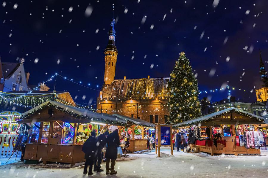 Estonya'nın Kuruluş Tarihi: Özellikle Noel ve bayram gibi günlerde ülke çok renkli görüntülere sahne oluyor..