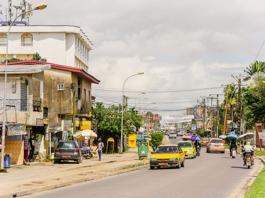 Kamerun'u Kim Kurdu ?