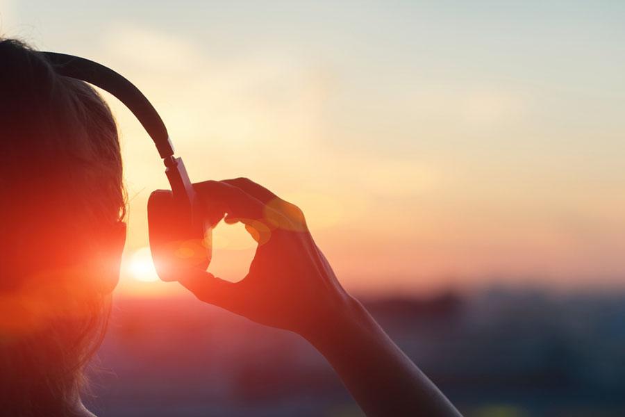Kulaklığı Kim İcat Etti ?