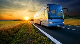 Otobüsü Kim Buldu? Otobüsün temeli, 1662 yılında Fransa'ya kadar uzanır. Bununla birlikte sekiz kişilikti ve Blaise Pascal adında bir filozof tarafından icat edilmişti..