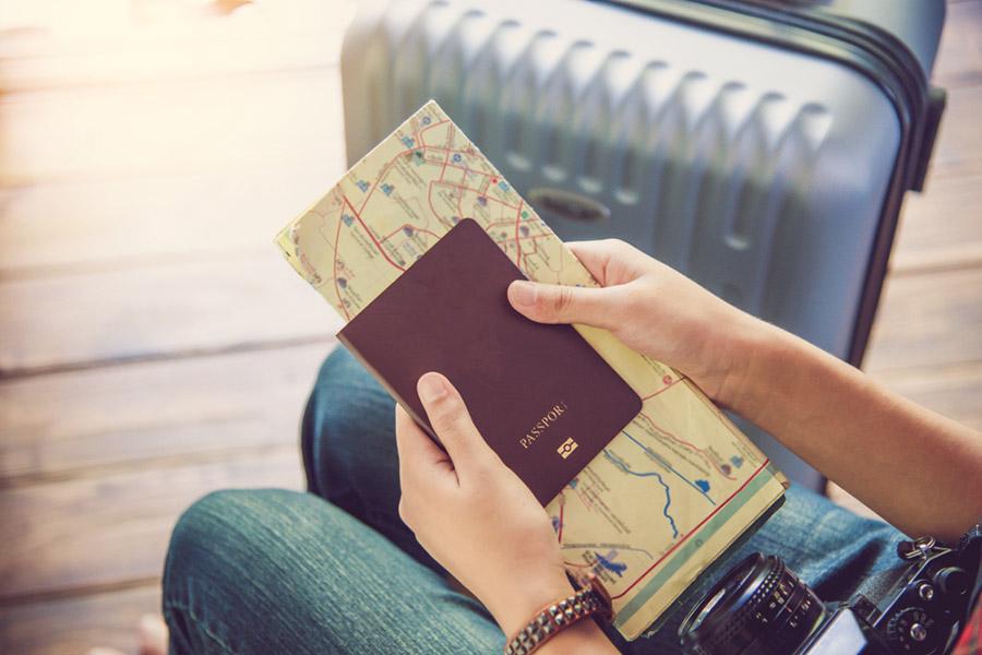 Pasaportu Kim Keşfetti?